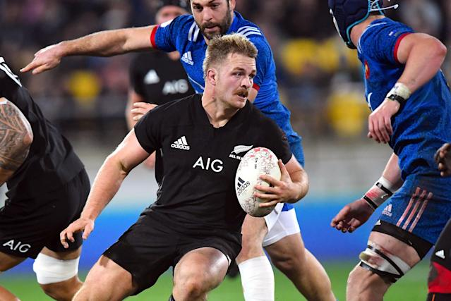 Rugby Union - June Internationals - New Zealand vs France - Westpac Stadium, Wellington, New Zealand - June 16, 2018 - Sam Cane of New Zealand runs with the ball. REUTERS/Ross Setford