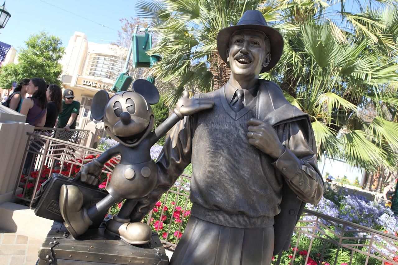 """<div class=""""related-stories clearfix"""">     <div class=""""related-header"""">Related:</div>              <a href=""""https://www.popsugar.com/smart-living/Differences-Between-Disney-Parks-35581402""""            class=""""related-link related-link-with-image """"                                         >             <div class=""""related-poster"""">                                     <img  alt=""""Differences Between Disney Parks"""" class=""""image smallsquare"""" width=""""75"""" height=""""75"""" src=""""https://media1.popsugar-assets.com/files/thumbor/lPTwRK8iLHo_yt_9OJrqB-NtHBw/75x75/filters:format_auto-!!-:strip_icc-!!-:sharpen-!1,0,true!-/2014/08/28/832/n/1922441/07e44be9aaec6738_thumb_temp_image157758181409185104/i/Differences-Between-Disney-Parks.jpg"""" title=""""Differences Between Disney Parks"""" />                             </div>              49 International Disney Park Differences Only Hardcore Fans Will Notice         </a>     </div>"""