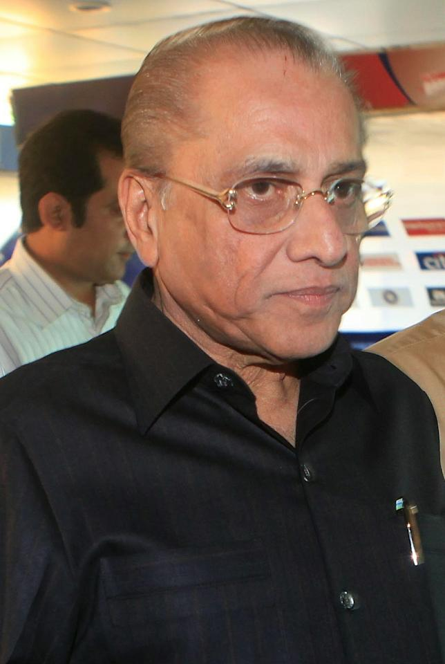 Former Board of Control for Cricket in India (BCCI) president Jagmohan Dalmiya arrives to attend the general annual meeting at the BCCI  head office in Mumbai on September 29, 2010. Indian cricket bosses said the suspended chief of the Indian Premier League (IPL), Lalit Modi, had been replaced, confirming the demise of one of the game's most high-profile figures. Chirayu Amin, will be the new IPL governing council chairman, BCCI president Shashank Manohar told a news conference, naming Modi's successor.  AFP PHOTO/ Str (Photo credit should read STRDEL/AFP/Getty Images)