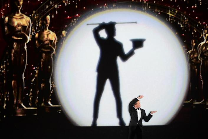 Host Neil Patrick Harris performs on stage for the 87th Oscars February 22, 2015 in Hollywood, California (AFP Photo/Robyn Beck)