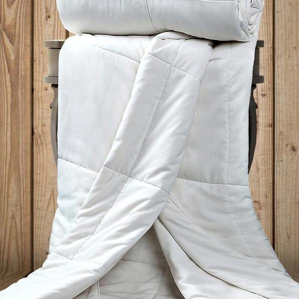 "<h2>Ettitude Vegan Bamboo Down Comforter</h2><br>Complete your cozy bedroom setup with a vegan down comforter made from soft organic bamboo. Mindfully designed, it's a little more breathable compared to polyester filling and is totally PETA approved for environmental enthusiasts everywhere. <br><br><strong>The Hype:</strong> 4.5 out of 5 stars and 275 reviews on <a href=""https://fave.co/3exzVEo"" rel=""nofollow noopener"" target=""_blank"" data-ylk=""slk:Ettitude"" class=""link rapid-noclick-resp"">Ettitude</a> <br><br><strong>Comfort Seekers Say:</strong> ""This comfort has a perfect weight. Its light and lays flat (very thin) yet keeps you warm. I specifically purchased it as my boyfriend is a 'hot sleeper,' and can say we don't have sweaty sheets anymore! I definitely recommend it for that purpose."" –– <em>Doralia L, Ettitude Reviewer </em><br><br><strong>Ettitude</strong> Vegan Bamboo Down Comforter, $, available at <a href=""https://go.skimresources.com/?id=30283X879131&url=https%3A%2F%2Ffave.co%2F3exzVEo"" rel=""nofollow noopener"" target=""_blank"" data-ylk=""slk:Ettitude"" class=""link rapid-noclick-resp"">Ettitude</a>"