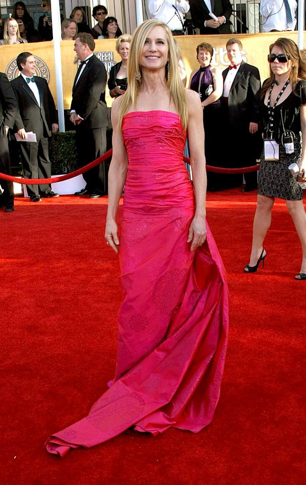"<a href=""/holly-hunter/contributor/29429"">Holly Hunter</a> arrives at the <a href=""/the-15th-annual-screen-actors-guild-awards/show/44244"">15th Annual Screen Actors Guild Awards</a> held at the Shrine Auditorium on January 25, 2009 in Los Angeles, California."