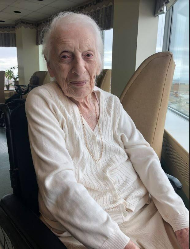 Sally Strauss died of COVID-19 at the age of 103.
