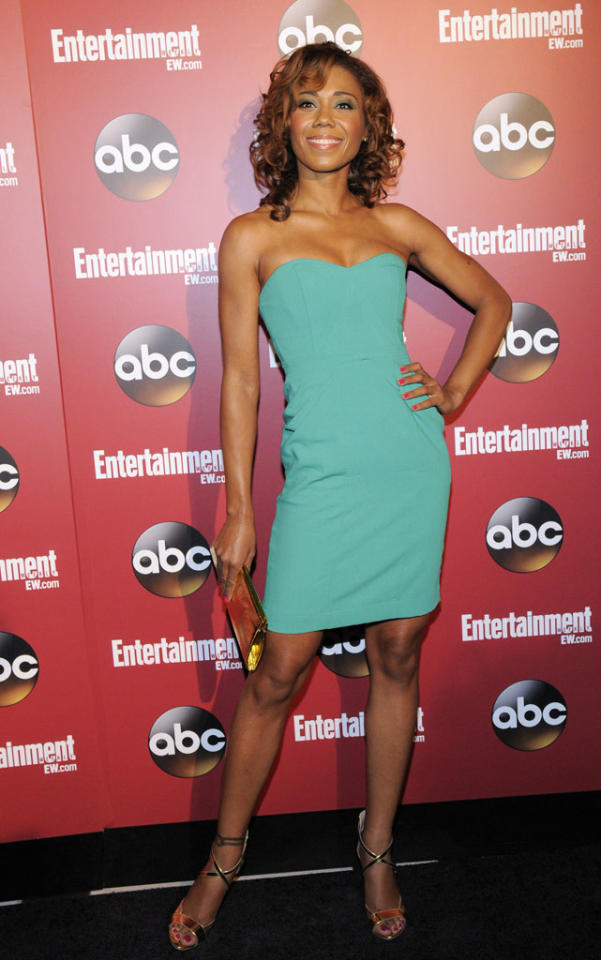 "Toks Olagundoye (""The Neighbors"") attends the Entertainment Weekly & ABC 2013 New York Upfront Party at The General on May 14, 2013 in New York City."