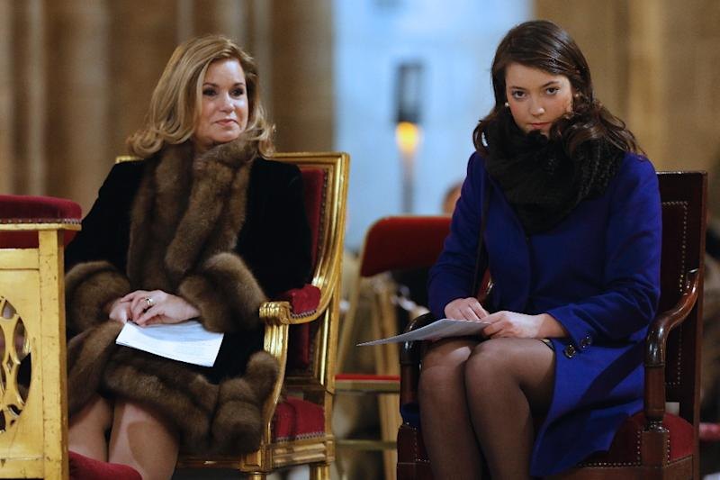 Luxembourg Grand-Duchess Maria Teresa (L), pictured with her daughter Princess Alexandra (R) in 2013 in Paris (AFP Photo/Francois Guillot)