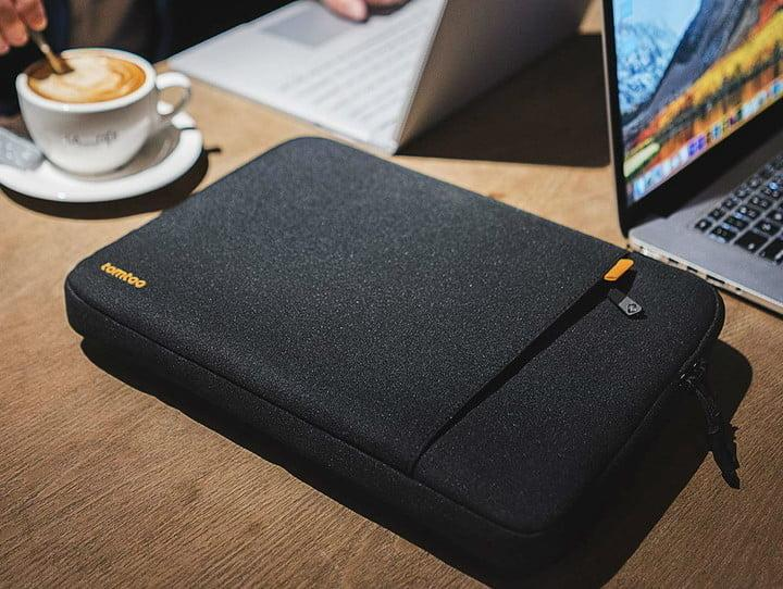 Funda para MacBook Tomtoc 360