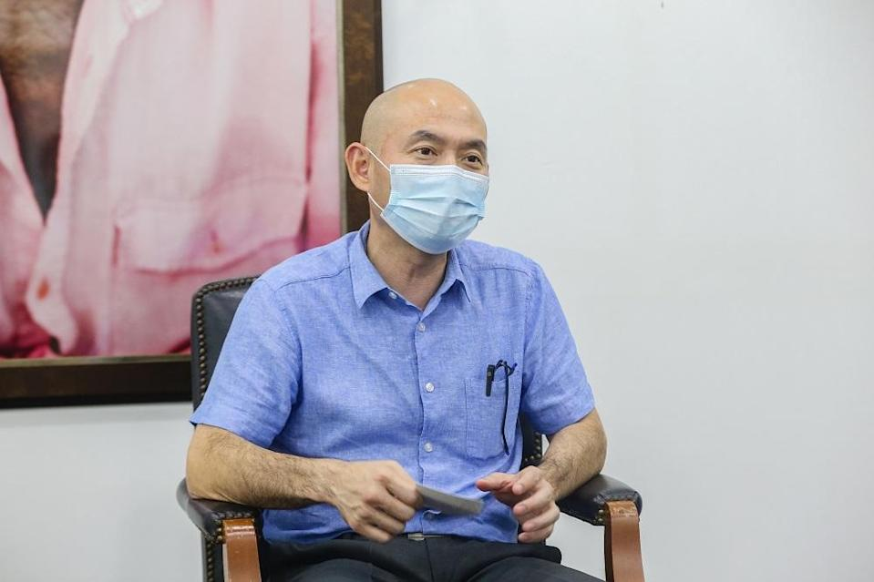 DAP's Kepong MP Lim Lip Eng said he is confident the government can give the same consideration to struggling families who have been badly affected by the Covid-19 pandemic. ― Picture by Firdaus Latif