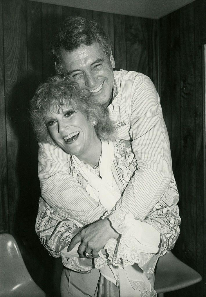<p>Hudson hugged rockstar Dusty Springfield while backstage at Springfield's New York concert. </p>