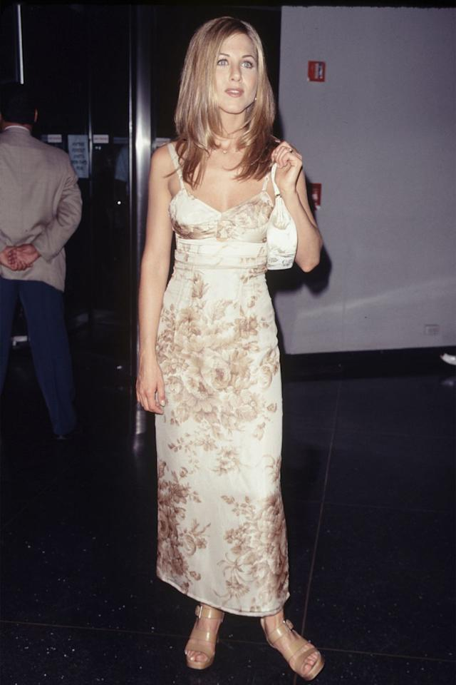 <p>The <em>Friends</em> actress brought an effortless ease in a toile maxi dress and her signature 'Rachel' haircut. <em></em></p>