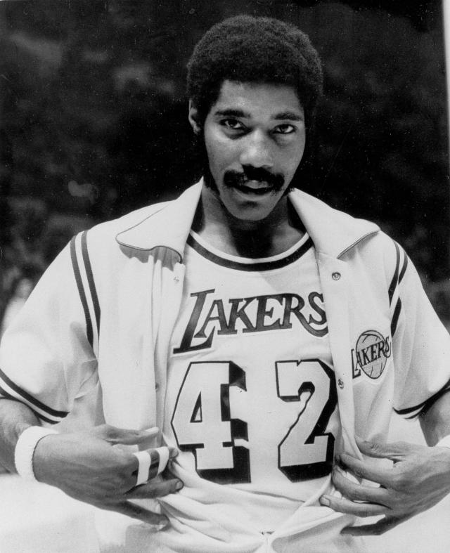 <p>Connie Hawkins (1942-2017): ABA MVP, four-time NBA All-Star and member of the Basketball Hall of Fame. </p>