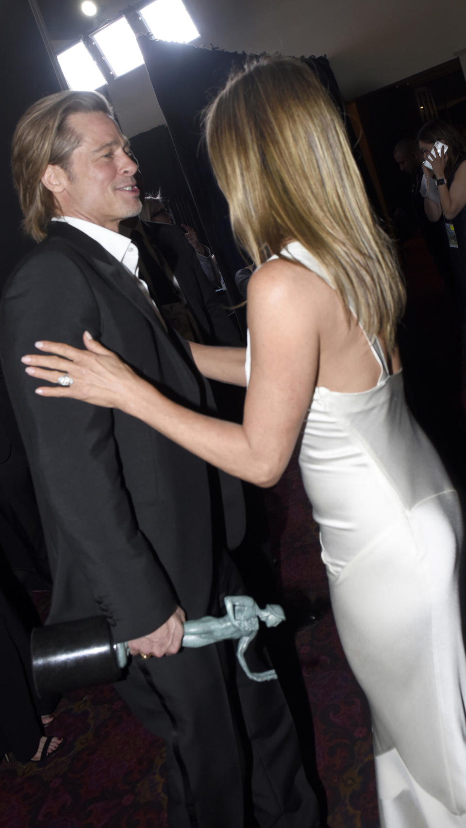 LOS ANGELES, CALIFORNIA - JANUARY 19:  (EDITORS NOTE: This image is a retransmission) Brad Pitt and Jennifer Aniston attend the 26th Annual Screen Actors Guild Awards at The Shrine Auditorium on January 19, 2020 in Los Angeles, California.  (Photo by Vivien Killilea/Getty Images for SAG-AFTRA)