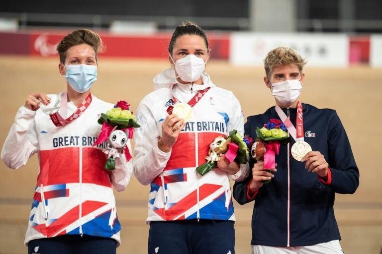 Sarah Storey (centre), Crystal Lane-Wright (left) and Marie Patouillet took the medals on Thursday as they had done in the C5 individual pursuit last week (AFP/Charly TRIBALLEAU)