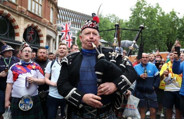 The bagpipes are out