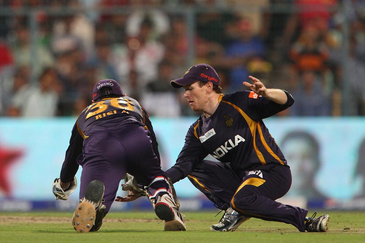 Manvinder Bisla and Eoin Morgan attempt to make the catch but the val is dropped during match 47 of the Pepsi Indian Premier League between The Kolkata Knight Riders and the Rajasthan Royals held at the Eden Gardens Stadium in Kolkata on the 3rd May 2013..Photo by Ron Gaunt-IPL-SPORTZPICS  ..Use of this image is subject to the terms and conditions as outlined by the BCCI. These terms can be found by following this link:..https://ec.yimg.com/ec?url=http%3a%2f%2fwww.sportzpics.co.za%2fimage%2fI0000SoRagM2cIEc&t=1506398584&sig=H6xOdQB3.4pkjYHtyV8Cig--~D