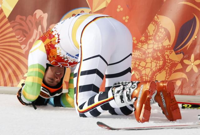 Germany's Stefan Luitz reacts after crashing into the last gate and being disqualified, during the first run of the men's alpine skiing giant slalom event in the Sochi 2014 Winter Olympics at the Rosa Khutor Alpine Center February 19, 2014. REUTERS/Mike Segar (RUSSIA - Tags: OLYMPICS SPORT SKIING)