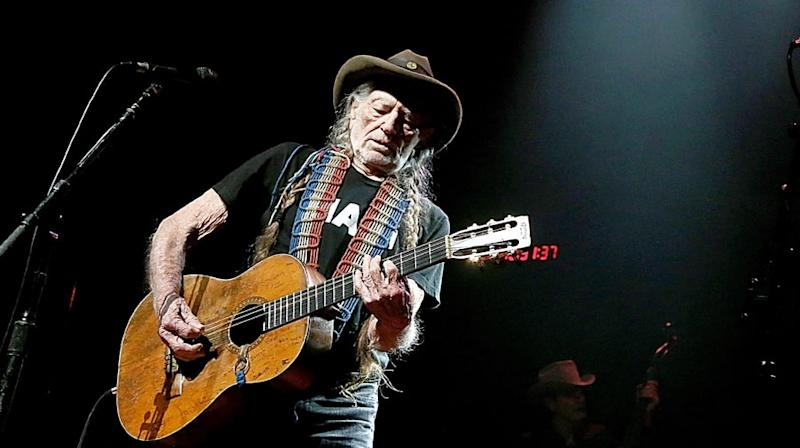 Willie Nelson Cancels Shows Due to Breathing Issues