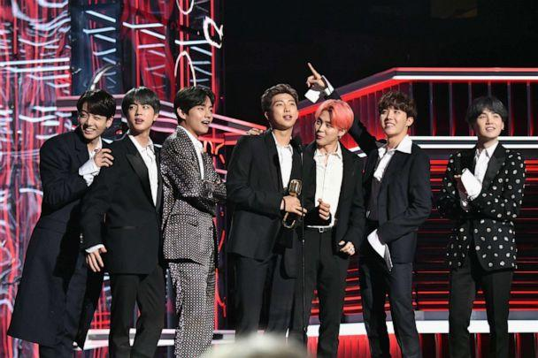 PHOTO: J-Hope, V, Jungkook, Jimin, Suga, Jin, and RM of BTS accept Top Duo/Group onstage during the 2019 Billboard Music Awards on May 1, 2019, in Las Vegas. (Jeff Kravitz/FilmMagic for DCP via Getty Images)