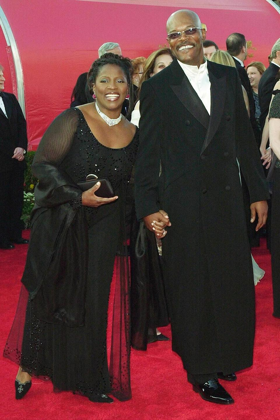 <p>Samuel L. Jackson and his wife LaTanya Richardson got all dressed up for date night at the 2001 Academy Awards. </p>