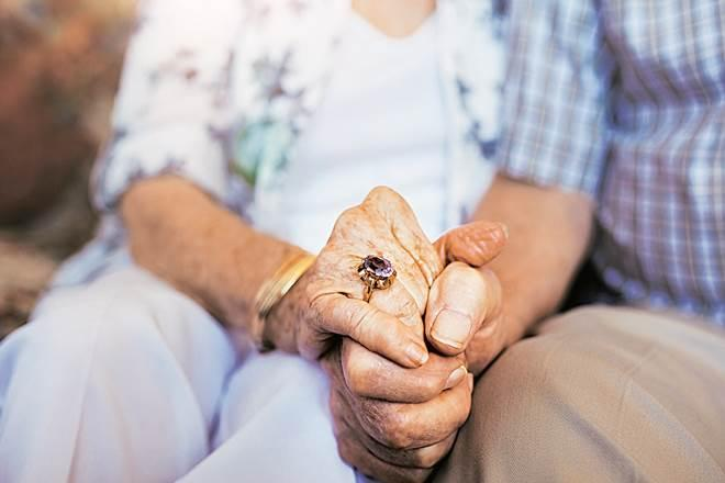 Senior citizens, Dating apps for youngsters, divorced, widowed, senior citizens couple, lonely senior citizens, private matrimonial services, Vasantham Remarriage Services