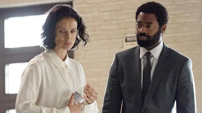 """For Live -- ABC TV Series, FOR LIFE - """"354"""" – After an urgent call from Bellmore concerning the growing COVID-19 pandemic, Aaron enlists Safiya's help and heads back to the prison to investigate. Meanwhile Marie faces a choice: Expose her family to the virus or go all-in at the hospital on ABC's """"For Life,"""" WEDNESDAY, JAN. 27 (10:00-11:00 p.m. EST), on ABC. (ABC/Giovanni Rufino) INDIRA VARMA, NICHOLAS PINNOCK Indira Varma and Nicholas Pinnock in """"For Life"""" on ABC."""