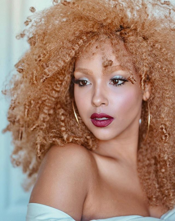 """<p>If you're working with extensions or wigs this season, warm golden colors and lots of texture are having a moment — check out this look by influencer <a href=""""https://www.instagram.com/lipstickncurls/"""" rel=""""nofollow noopener"""" target=""""_blank"""" data-ylk=""""slk:Jade Kendle"""" class=""""link rapid-noclick-resp"""">Jade Kendle</a>.</p>"""