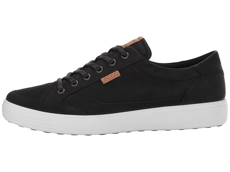 Reviewers swear these are the most comfortable sneakers they ever put on. (Photo: Zappos)