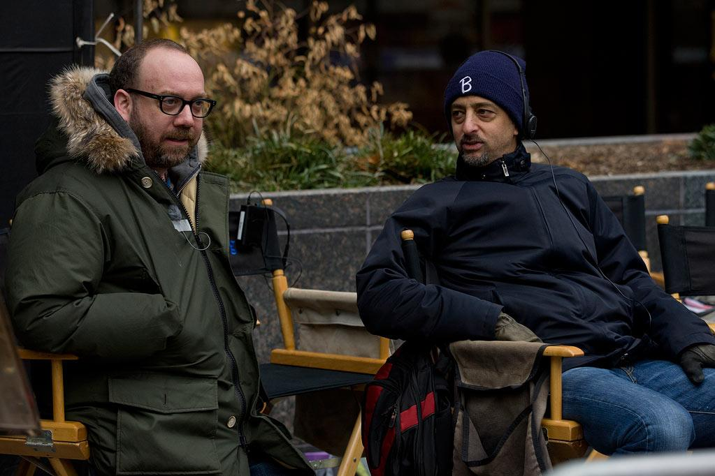 "<a href=""http://movies.yahoo.com/movie/contributor/1800019623"">Paul Giamatti</a> on the set of Columbia Pictures' <a href=""http://movies.yahoo.com/movie/1810155680/info"">The Ides of March</a> - 2011"