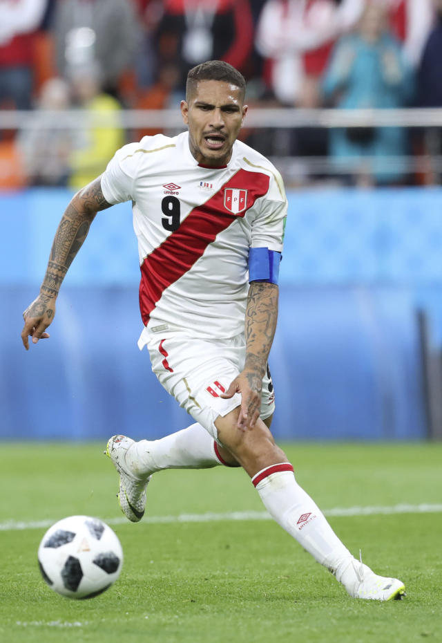 Peru's Paolo Guerrero attempts to control the ball during the group C match between France and Peru at the 2018 soccer World Cup in the Yekaterinburg Arena in Yekaterinburg, Russia, Thursday, June 21, 2018. (AP Photo/David Vincent)