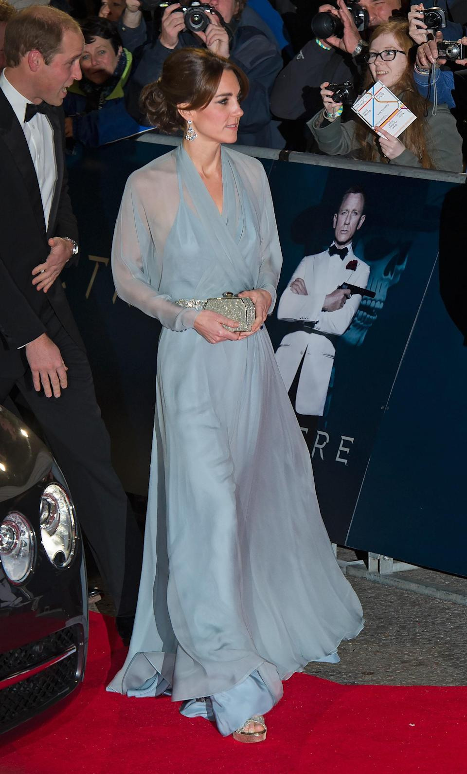 """<h1 class=""""title"""">UK - """"Spectre"""" Royal World Premiere in London</h1><cite class=""""credit"""">Zak Hussein, Getty Images</cite>"""
