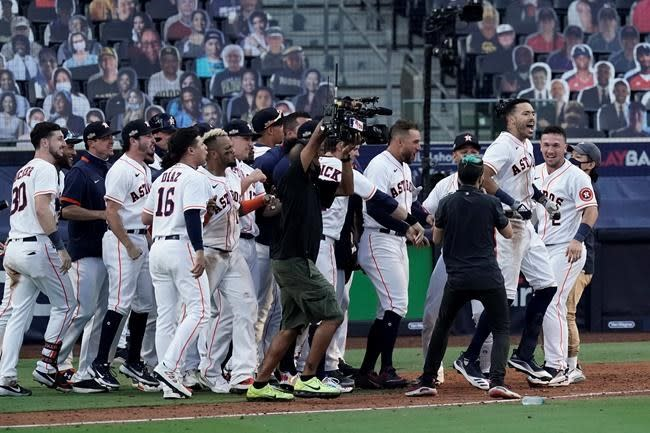 Correa hits walkoff homer to keep Astros alive in ALCS