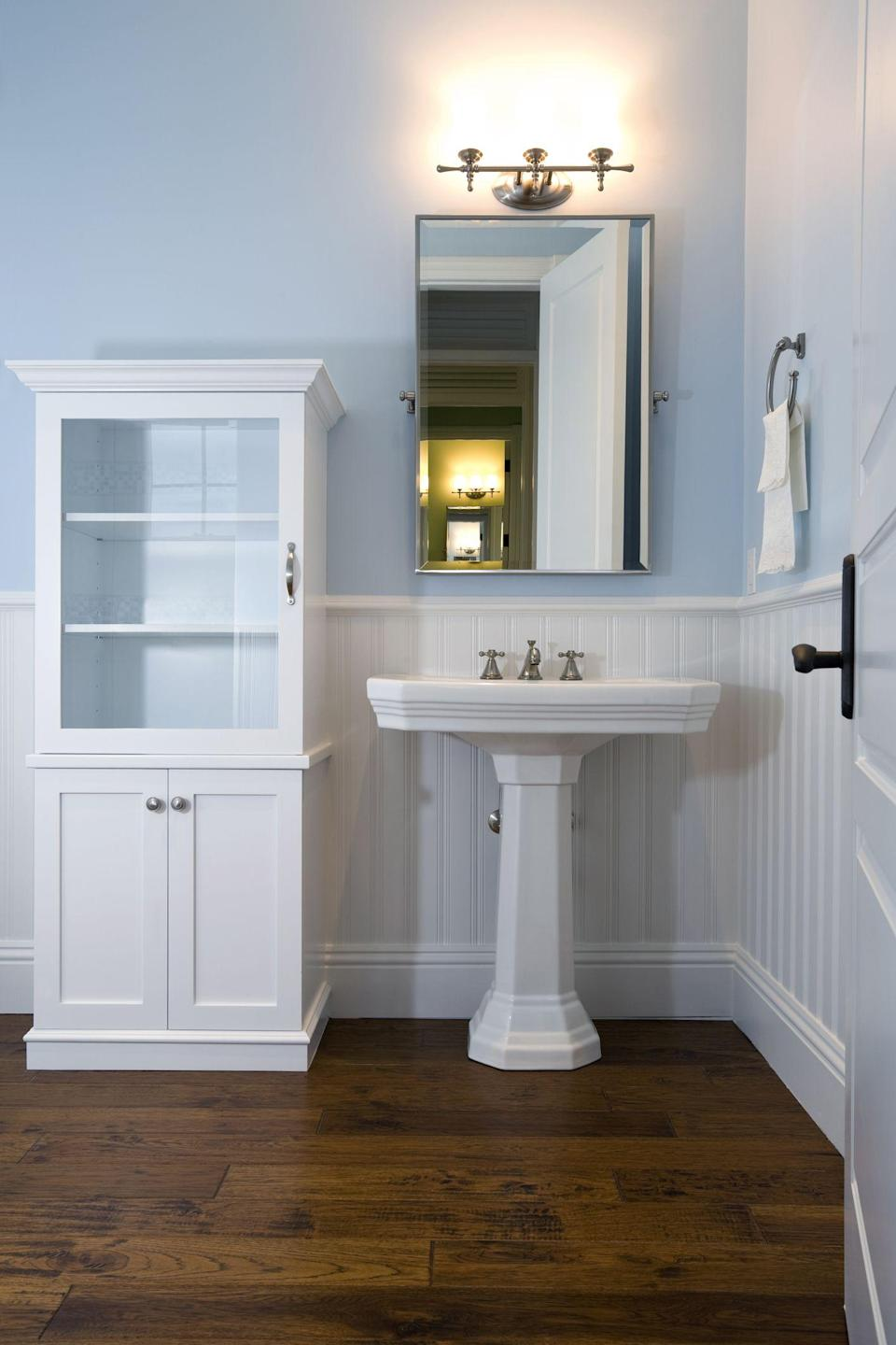 10 Perfect Pedestal Sinks for a Sophisticated Bathroom