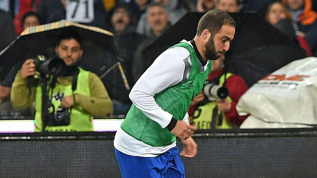 A first return to Napoli since his move to Juventus ended in a 1-1 draw for Gonzalo Higuain, who struggled to make any impact in attack.