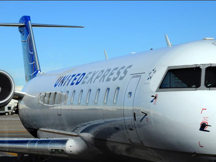 United Airlines Bombardier CRJ 200