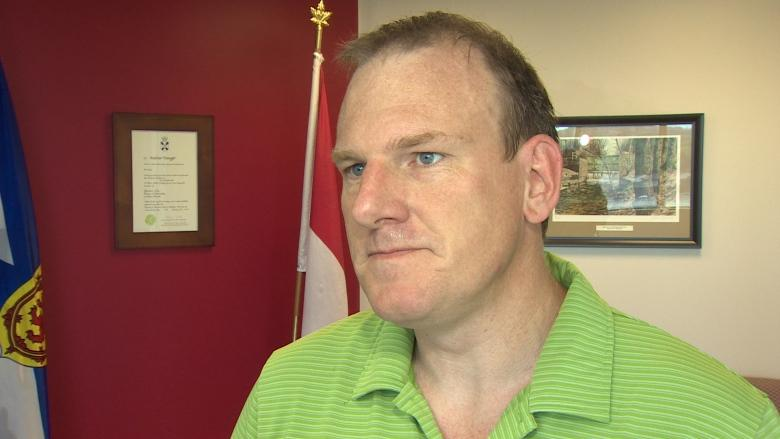 'Bizarre' end as Andrew Younger withdraws from Dartmouth East race