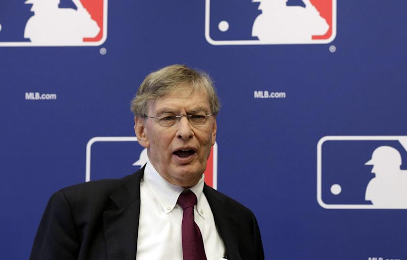 Baseball to move ahead with instant replay