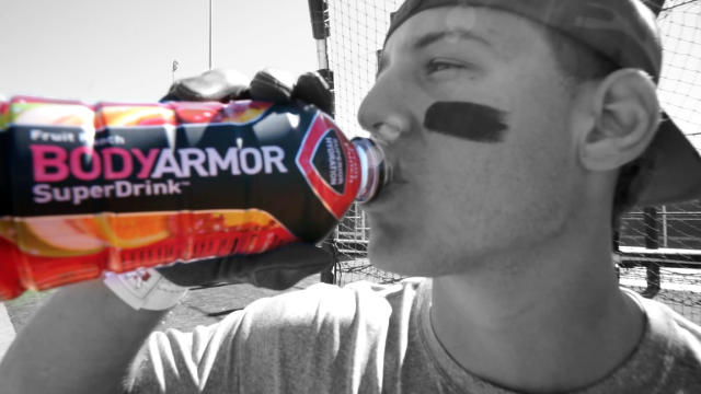 Anthony Rizzo worked with Kobe Bryant in the new BODYARMOR ad. (Special to Yahoo Sports)