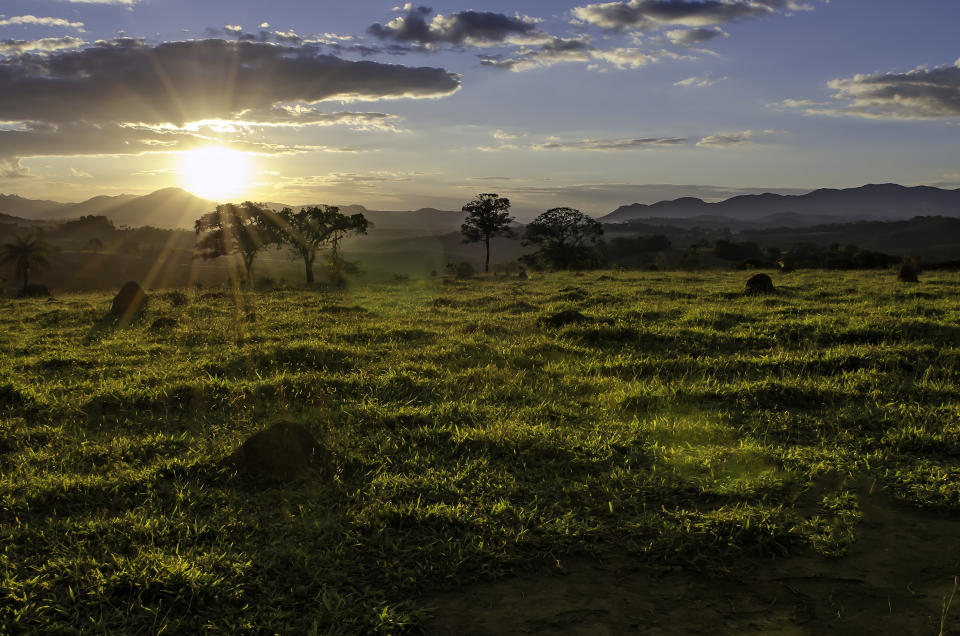Perfect sunset from a field near to Brumadinho
