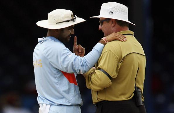 PORT OF SPAIN, TRINIDAD AND TOBAGO - MARCH 19:  Virender Sehwag of India has a word with umpire Ian Howell during the ICC Cricket World Cup 2007 Group B match between Bermuda and India at the Queens Park Oval Cricket Ground on March 19, 2007 in Port of Spain, Trinidad.  (Photo by Clive Rose/Getty Images)
