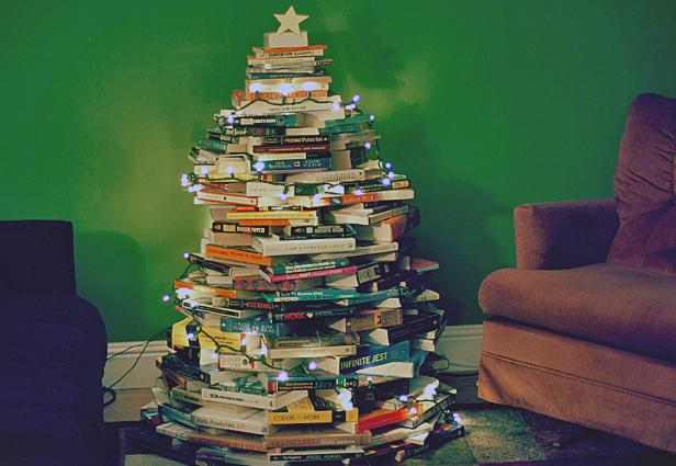 12 Ways to Nerd Up Your Christmas Tree
