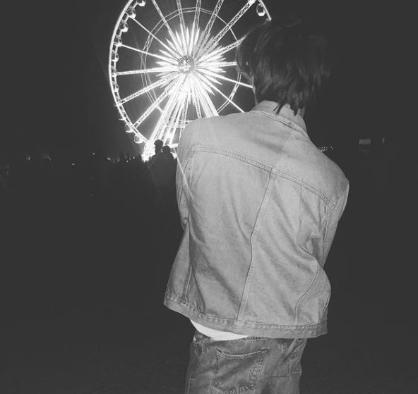 "<p>No need to guess where he is. The <em>Stranger Things</em> actor struck a pose with the Ferris wheel as a backdrop. (Photo: <a href=""https://www.instagram.com/p/BhntbgDh-Kc/?hl=en&taken-by=charlie.r.heaton"" rel=""nofollow noopener"" target=""_blank"" data-ylk=""slk:Charlie Heaton via Instagram"" class=""link rapid-noclick-resp"">Charlie Heaton via Instagram</a>) </p>"