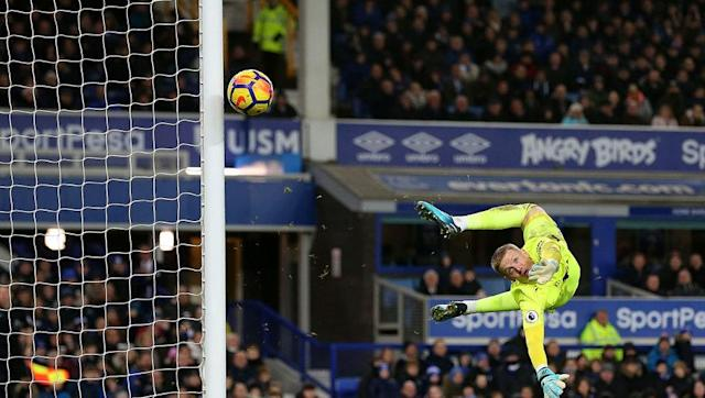 "<p>Whilst he could do nothing to prevent United's two brilliant goals, Everton keeper Jordan Pickford still had a fine game.</p> <br><p>He dealt comfortably with corners and balls into the box all game, and his highlight was a sensational save from Lingard, diving low to his left to palm the ball past the post.</p> <br><p>With current England number one Joe Hart currently frozen out at <a href=""http://www.90min.com/teams/west-ham?view_source=incontent_links&view_medium=incontent"" rel=""nofollow noopener"" target=""_blank"" data-ylk=""slk:West Ham"" class=""link rapid-noclick-resp"">West Ham</a>, surely the time has come for Southgate to follow the example of club managers and drop Hart to the bench.</p> <br><p>Every successful team need a good goalkeeper, and England would have a much better chance of going far in the World Cup this summer with Pickford between the sticks ahead of Hart.</p>"