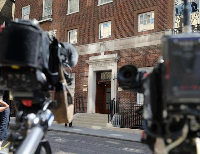 LONDON, ENGLAND - JULY 09: Cameras set up outside the Lindo Wing of St Mary's Hospital as the UK prepares for the birth of the first child of The Duke and Duchess of Cambridge, on July 9, 2013 in London, England. (Photo by Chris Jackson/Getty Images) <br>