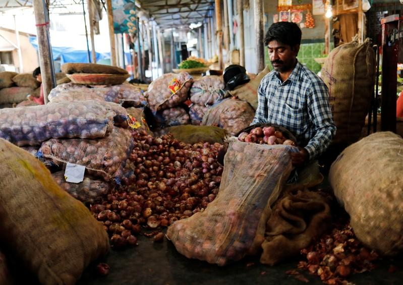 India may extend onion export ban to February to cap domestic prices