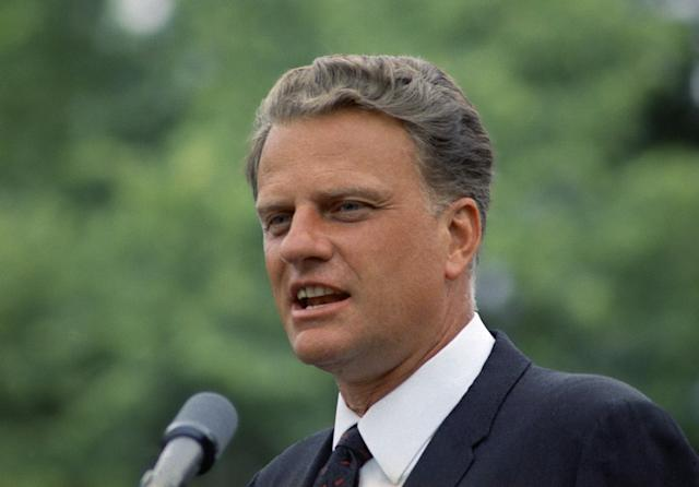 <p>Billy Graham addresses a prayer meeting in June 1967. (Photo: AP) </p>