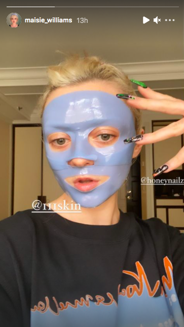 <p>The Game of Thrones star showed off her manicure and face mask before the Met Gala, at which she debuted her newly-dyed jet black hair. </p>
