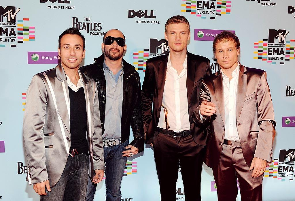 """The Backstreet Boys are back ... but what's up with their satin suits? Kevin Mazur/<a href=""""http://www.wireimage.com"""" target=""""new"""">WireImage.com</a> - November 5, 2009"""