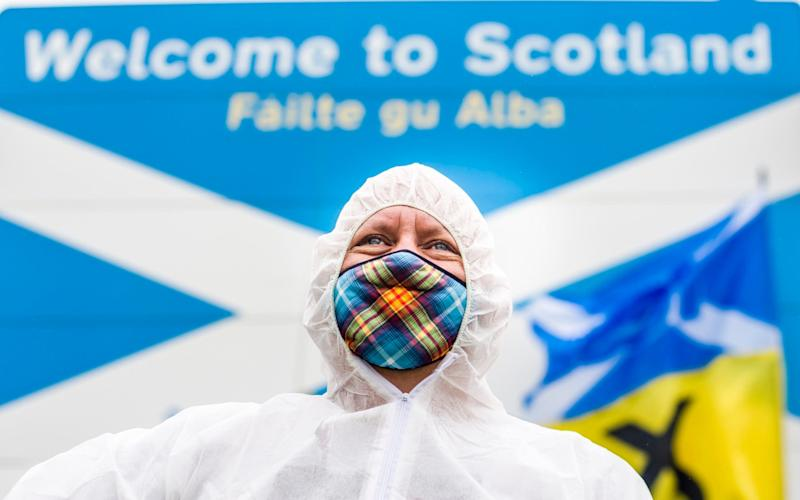 A handful of Scottish nationalists protested at the border on Saturday - Euan Cherry/Euan Cherry