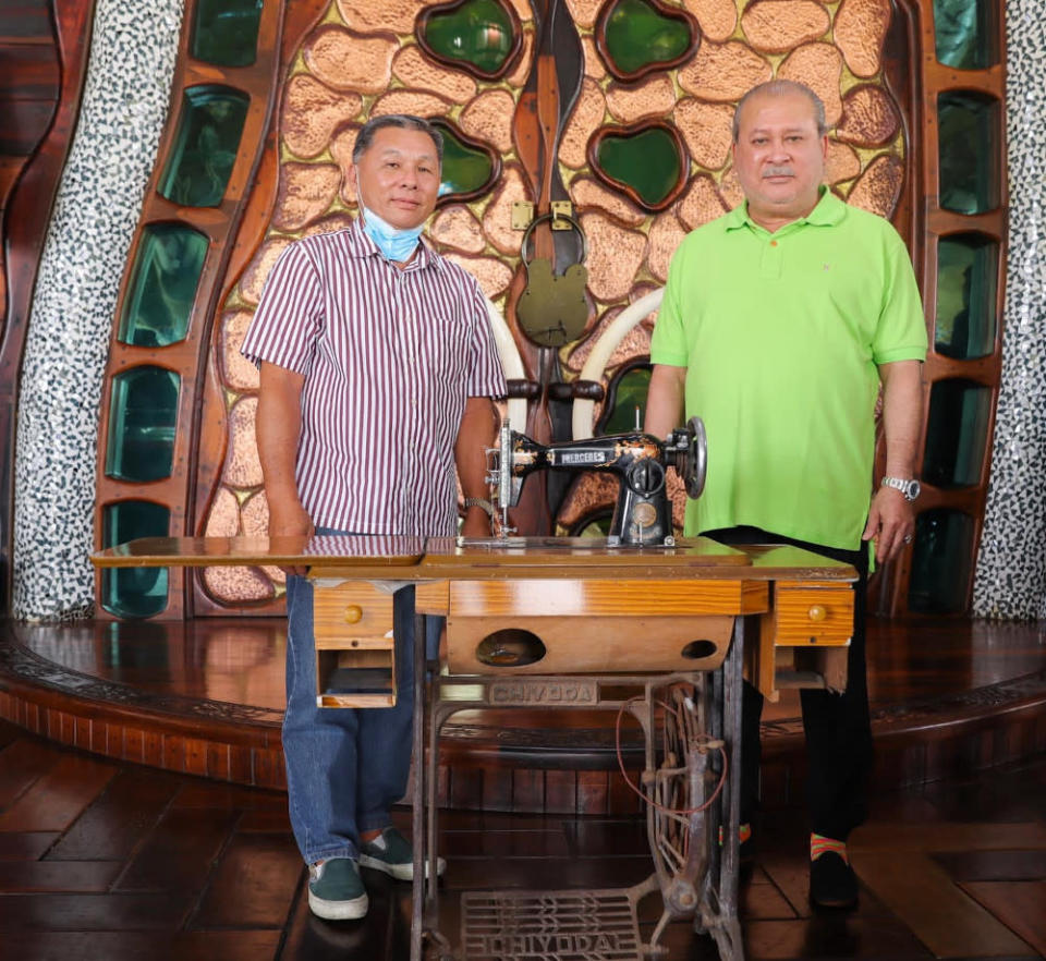 The antique sewing machine will go on display at Mersing Museum. — Picture from  Facebook/SultanIbrahimSultanIskandar