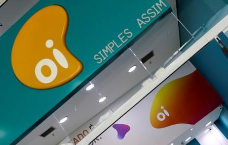 Brazil telecom carrier Oi may consider selling mobile operation: executive