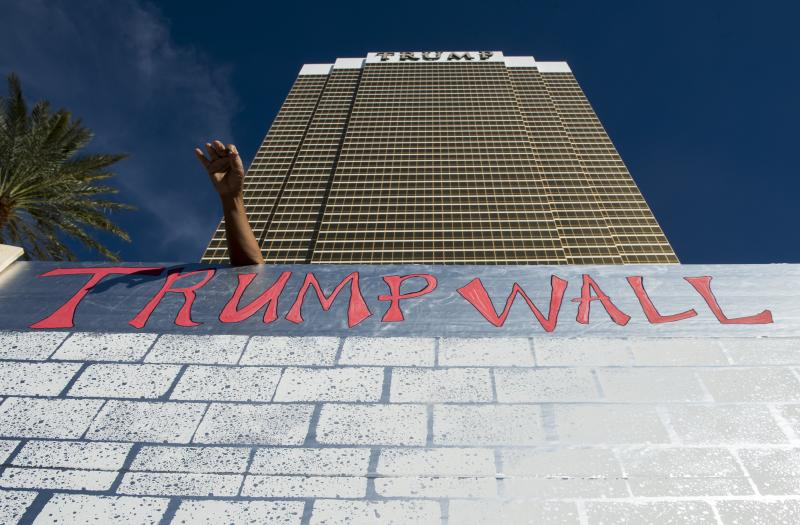 Culinary Union Organizes 'Wall' Of Taco Trucks to Protest Trump Campaign